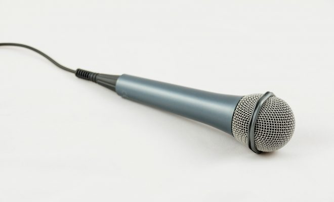 microphone-861457_1920