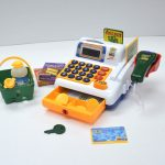 toy-cash-register-942365_1920