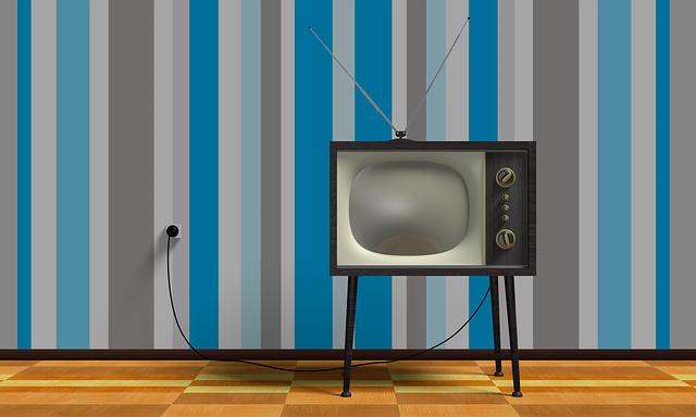 tv-2213140_640