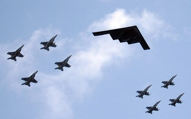 military-aircraft-formation-599440_640