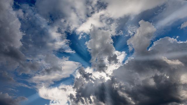 sky-3395811_640